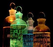 kemijska definicija datiranja kemija krhka je od bake koja izlazi s bilo kime