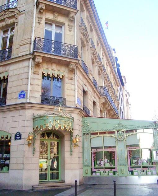 French madame ladur e avenue des champs lys es - H m avenue des champs elysees ...