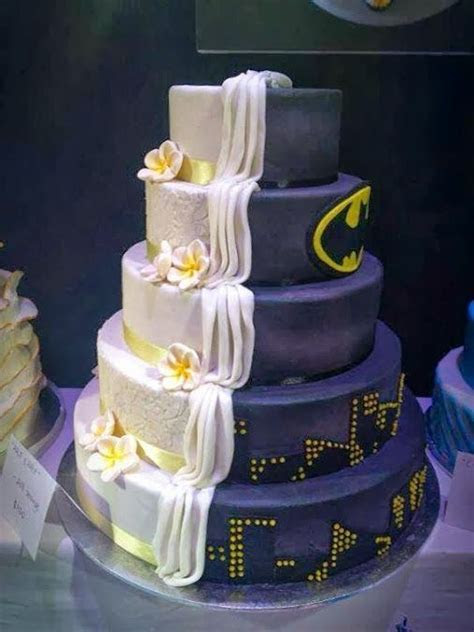 116 best images about Superhero Cakes on Pinterest