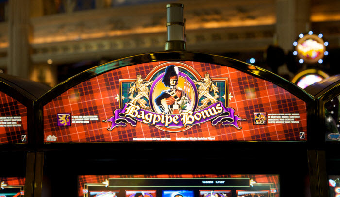 This complex features 2, slot machines and 70 gaming tables including Roulette, Blackjack, Craps, Baccarat, Big Six Wheel, Three Card Poker, Pai Gow, Bingo and Keno.There is also a poker room with 14 tables.The hotel of the Casino offers many types of rooms, swimming pool and fitness center.