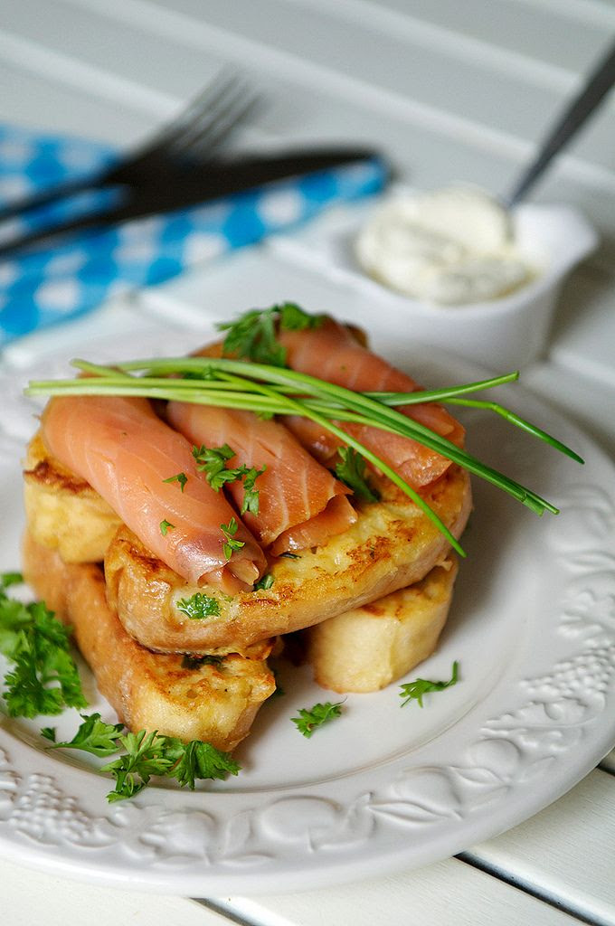 Herbed Frenchtoast with smoked salmon & creme fraiche