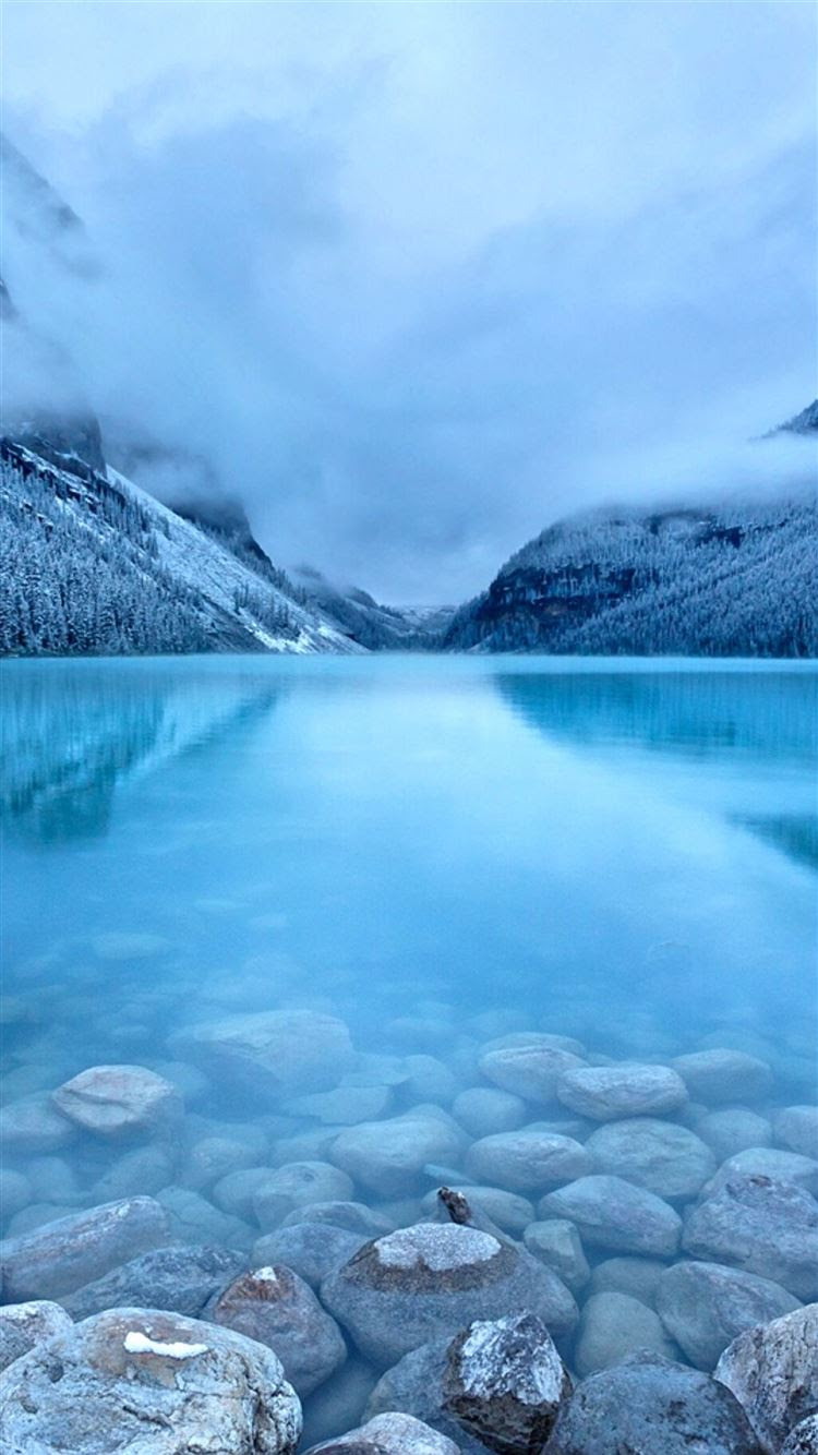 Nature Early Morning Peaceful Lake Mist Mountain Landscape ...