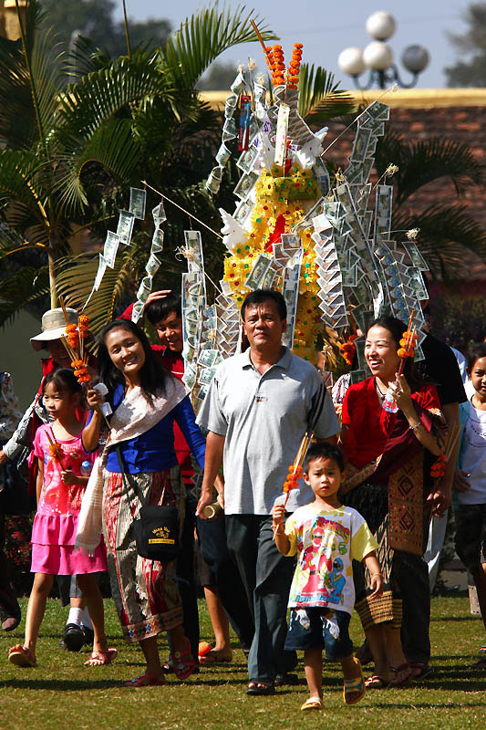 15 That Luang Festival IMG_5833-w