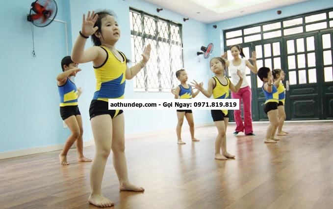 quần áo tập aerobic trẻ em