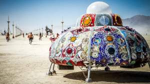 lets-travel-to-nevada-usa-burning-man-festival-with-travis-white-featured