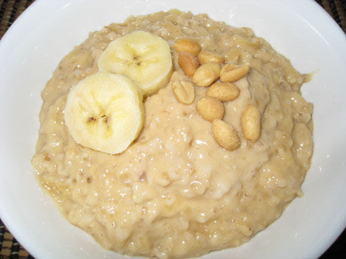 http://static.thehungrywife.com/uploads/oatmeal.jpg