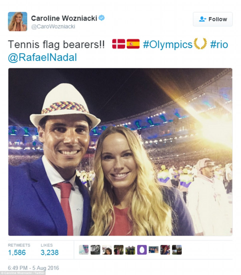 estrelas do tênis Caroline Wozniacki da Dinamarca e Rafael Nadal da Espanha tirou uma foto juntos durante a cerimônia