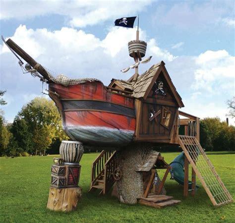spielturm piratenschiff schafft viel freude fuer ihre kinder