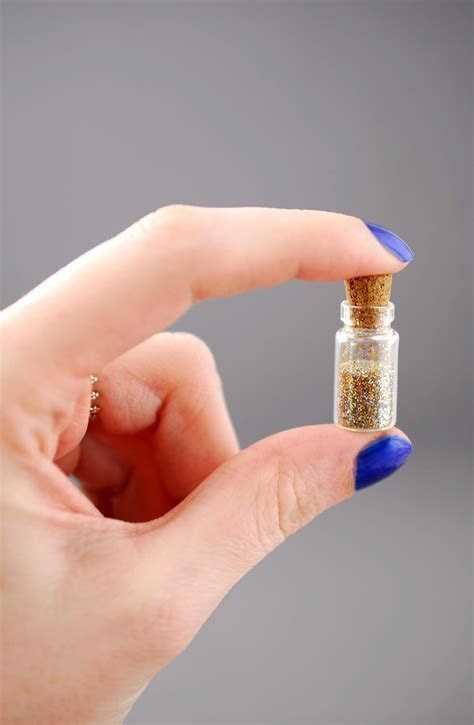 Mini Glass Bottles with Cork 1ml 0.88in (Pack of 12)