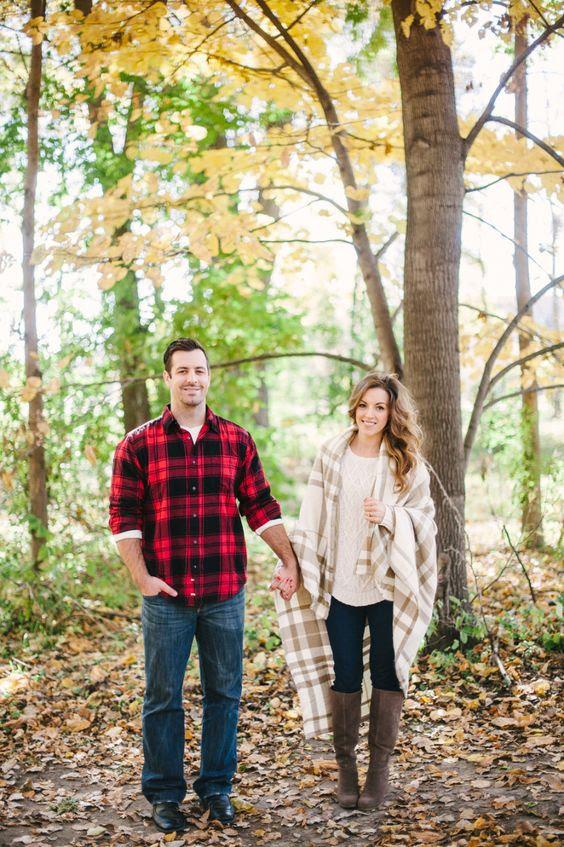 die Blicke sind koordiniert mit den gleichen drucken und jeans, Karo ist toll für den Herbst