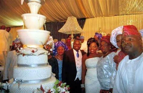 Stargist's Top Seven Eye Popping Celebrity Wedding Cakes