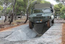 El Regimiento de Ingenieros nº 8 construye una pista todoterreno en Melilla.