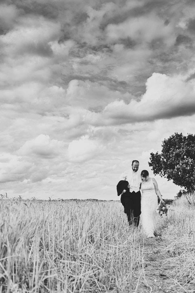 moody black and white wedding photo at Stoke-by-Nayland - www.helloromance.co.uk