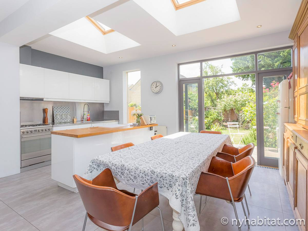 London Accommodation: 4 Bedroom Apartment Rental in ...