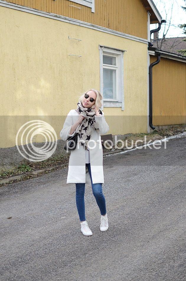 photo Valkoinentakki001_zpsafvogws3.jpg