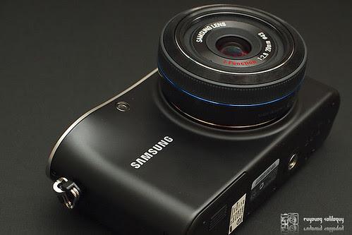 Samsung_NX100_exterior_15