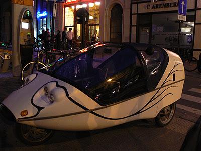 drôle de voiture.jpg