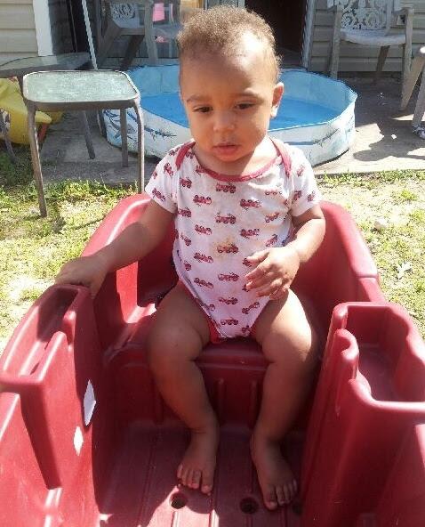 Malakai - Zechariah in wagon