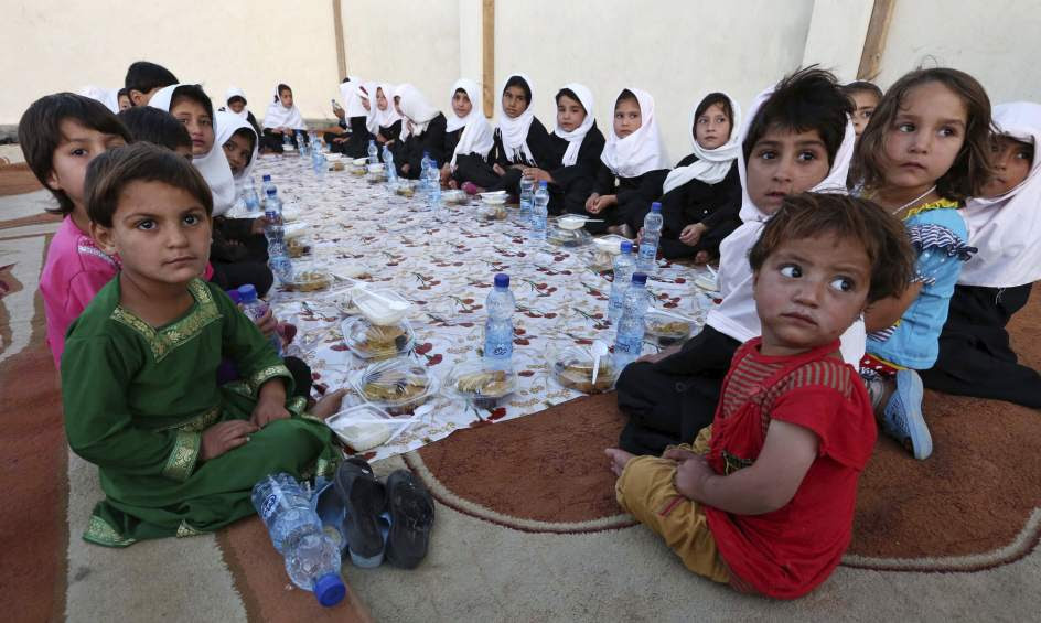 Niños afganos en Ramadán