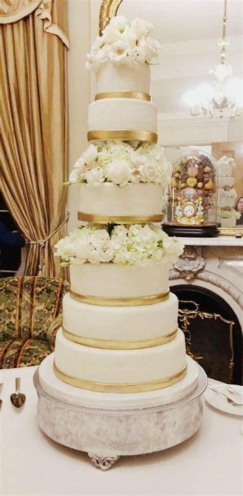 My weekend  Gold & Flowers Wedding Cake   Rose Bakes