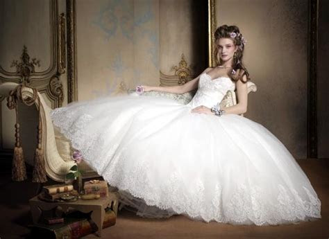 Most Popular Wedding Dress Designers FeminineX
