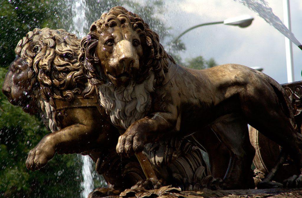 Atalanta e Hipómenes en la fuente de Cibeles.