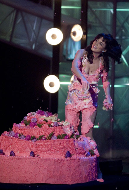 Katy Perry's cake fight on stage