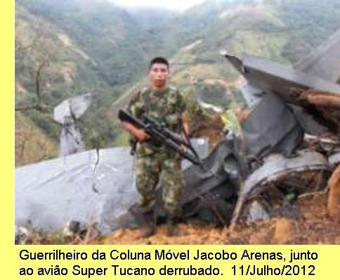 Avião da Força Aérea Colombiana abatido pelas FARC-EP.