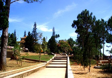 Truc Lam Zen Monastery   _  Dalat - Vietnam 12