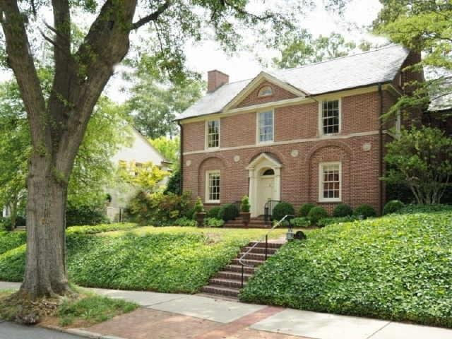 Things that inspire five beautiful houses brookwood for Brookwood home builders