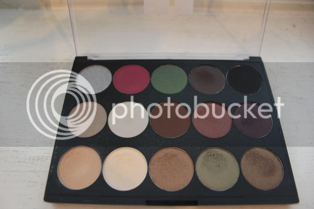 Starlooks, Starbox, Starlooks Review, Starbox Review, Monthly Makeup Subscription box, Makeup, Starlooks Lipstick, Natalie Corona, Milky Way, Longwear Eyeliner Pot, Tendergloss