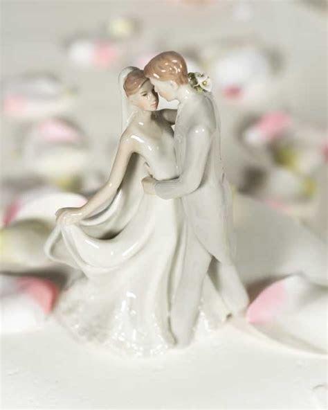 Elegant Porcelain Wedding First Kiss Bride and Groom Cake