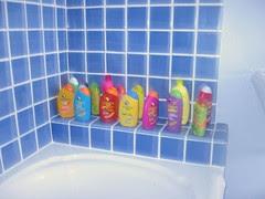 Daughter's bathroom, tub/shower