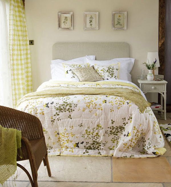 How To Create French Country Bedroom Design | InteriorHolic.
