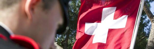 Evasione in Svizzera, la più antica banca elvetica paga il conto agli Usa e chiude