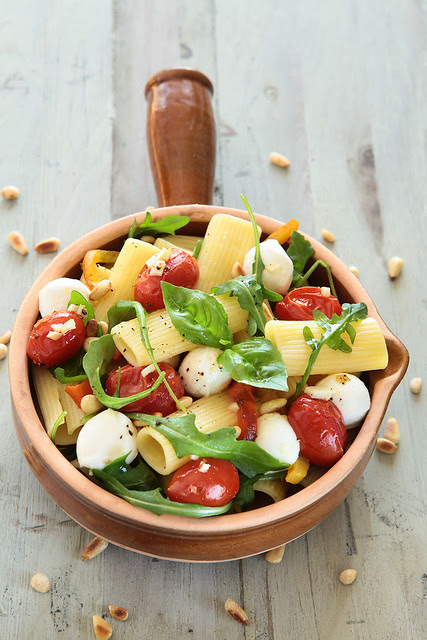 pasta with grilled tomatoes and ruccola