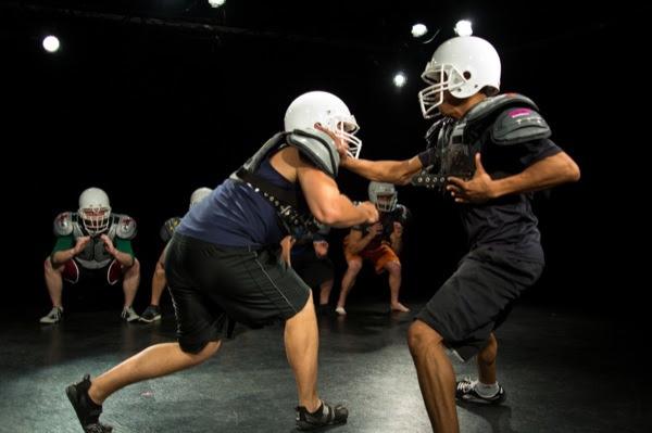 Gridiron play: 'Colossal'