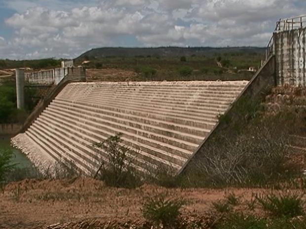 Barragem Pedro Moura Júnior, em Belo Jardim, Pernambuco (Foto: Reprodução/ TV Asa Branca)