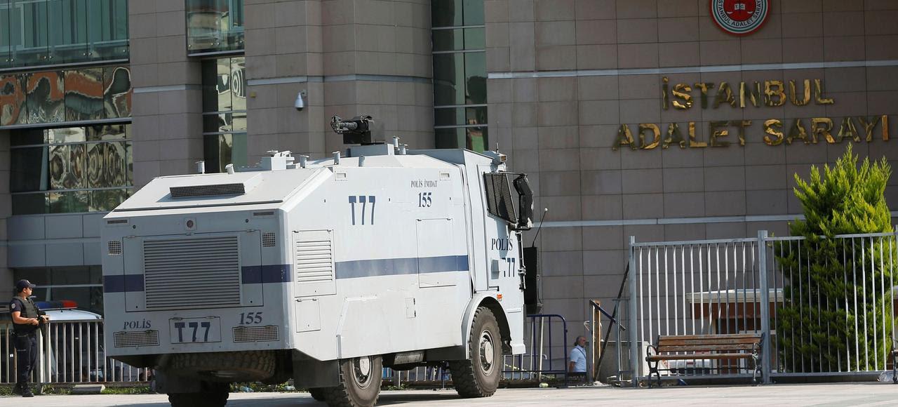 Depuis la tentative de putsch du 15 juillet 2016, l'imposant palais de justice de Caglayan, à Istanbul, ne désemplit pas.