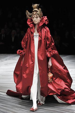 http://stylefrizz.com/img/alexander-mcqueen-fall-winter-2008-2009-dress.jpg