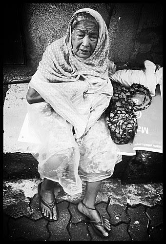 Mujhe Rasta Dikhakar Mere Karavan Ko Luta .. by firoze shakir photographerno1