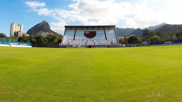 A cegueira do departamento de futebol do Flamengo