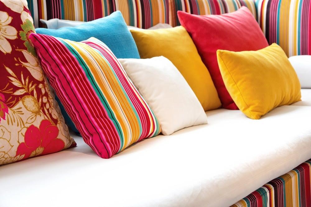Resultado de imagem para decoração almofadas super coloridas