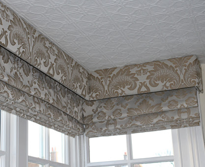 Roman Blinds For Square Bay Windows Plan Carefully For A Stunning