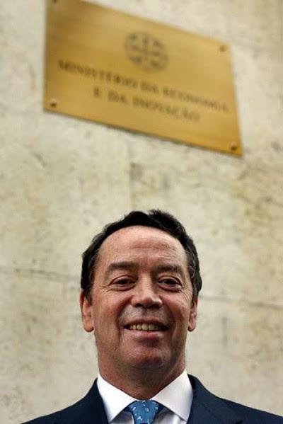 """Manuel Pinho diz que só depois do convite para dar aulas nos EUA é que veio """"colocar a EDP e o ISCTE em contacto com Columbia"""". Foto José Goulão/Flickr"""