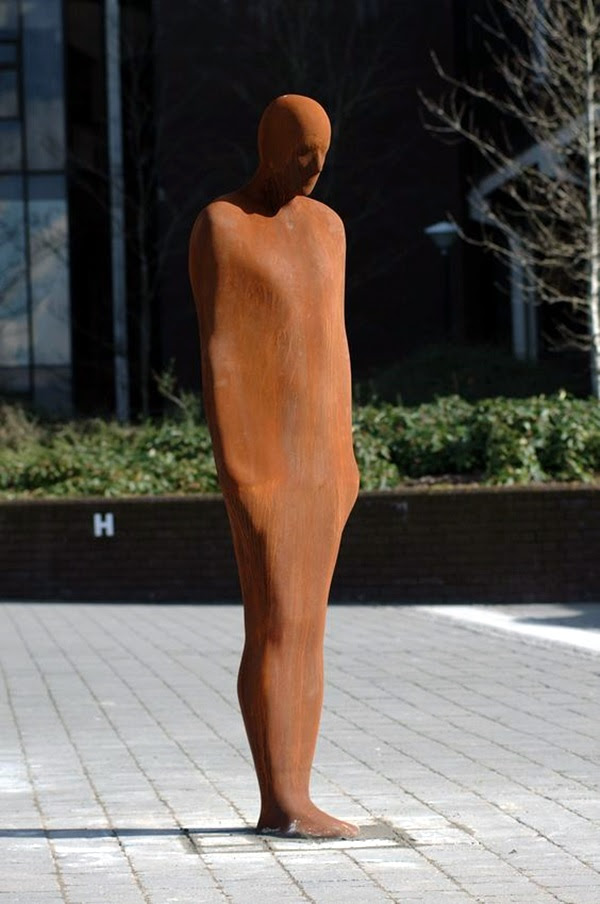 Astonishingly Life-Like Figuratives Sculptures (33)