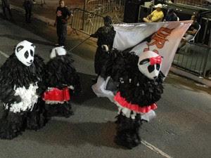 Urso Panda foi muito bem recebida pelo público (Foto: Krystine Carneiro/G1)
