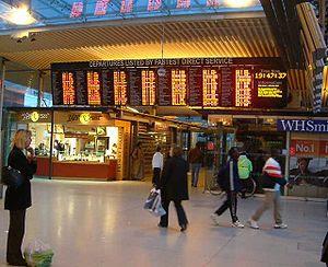 East Croydon railway station - England - Elect...