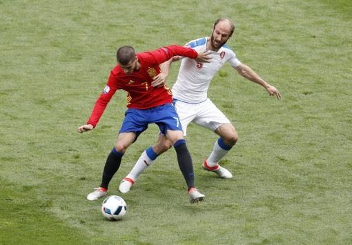 Euro 2016 Ισπανία - Τσεχία  0-0 LIVE - Η ώρα των πρωταθλητών