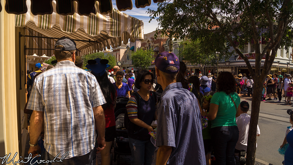 Disneyland Resort, Disneyland, Main Street U.S.A., Marching, Band, Crowd, Bottleneck, Bottle, Neck